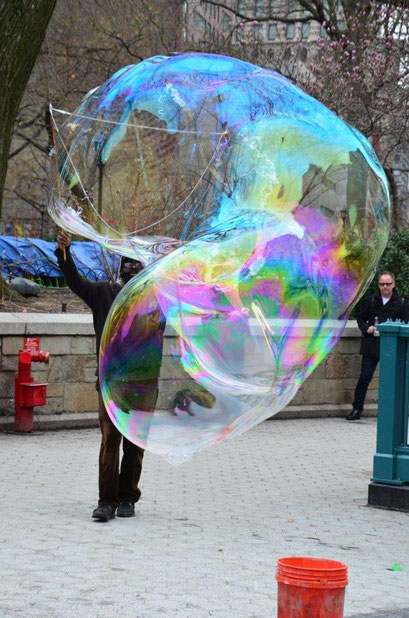 …biggest bubbles in the city! photo: Reinhold Ponesch ©
