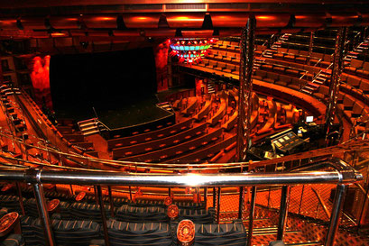 3-stöckiges Theater Stardust
