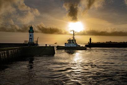 Saint-Nazaire 18 - Vue du phare le soir
