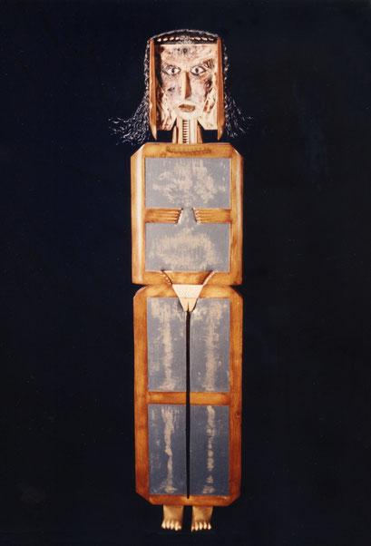 NÁTURA. 1996. 156 x 35 x 16 cm. Mixed media