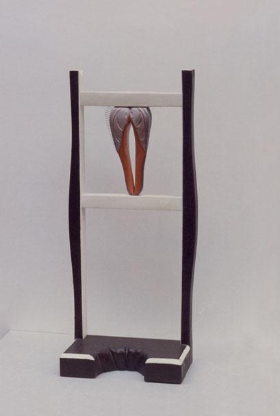 RECLINATORIO. 1987. 100 x 43 x 22 cm. Wood
