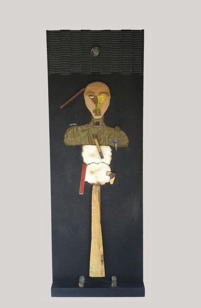 SOLDADO. 1996. 197,5 x 70 x 15 cm. Técnica mixta