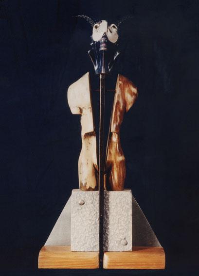 MEMORIA. 1996. 62 x 30 x 8 cm. Mixed media