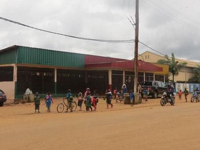 Bafang, la place du défilé