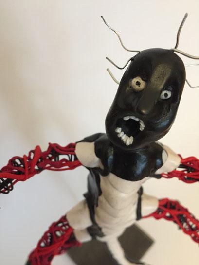 Bug Boy - 09/2019 - 27x17x14 cm - Draht, ofenhärtender Ton, Klarlack