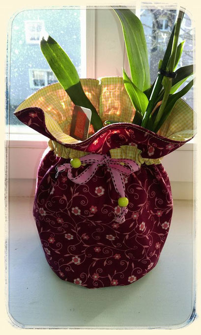 Blumenübertopf aus Stoff