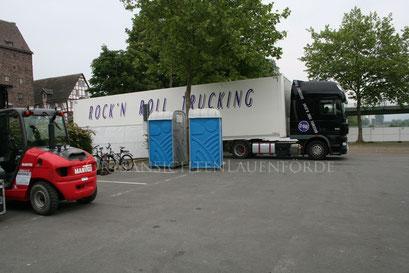 Truck, Toilette, Gabelstapler, von oben nach unten :-))