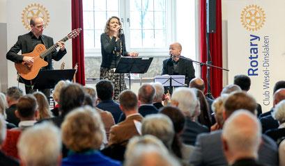 """Die Gruppe """"A Village Voice"""" begeisterte mit ihrer autentischen, mitreißenden Musik"""