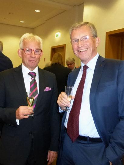 Helmut Böing, Vorstand der Rotarystiftung und Manfred Inkmann, Präsident 2018/19 des Rotary Clubs Wesel-Dinslaken