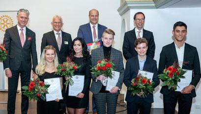 Die PreisträgerInnen, der Stiftungsvorstand und Philipp Abresch