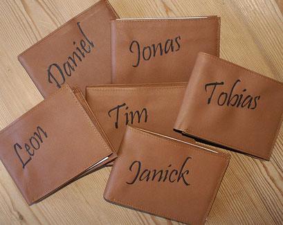 Geldbörse mit eingebrannten Namen