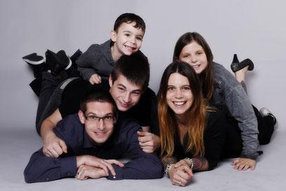 Familienportrait Basel, Fotoshooting Basel, Fotostudio Basel, Familienfotos, Fotograf Basel