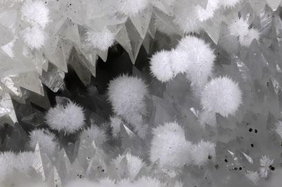 Tongrube Hauenstein, Aragonit oder Strontianit, Bb 10 mm