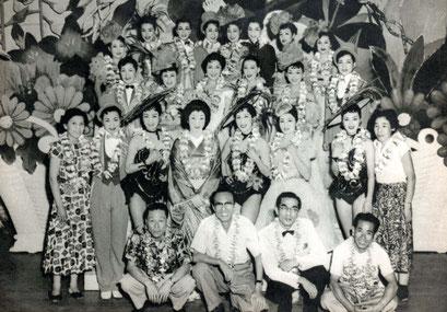S31/3/ハワイ公演「日本の花」の舞台で
