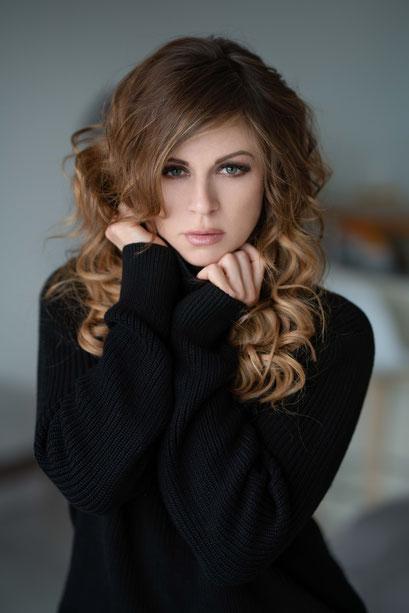 model | raphaela || visa | michelle