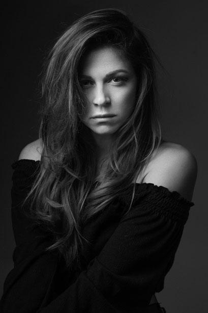 model | raphaela passante