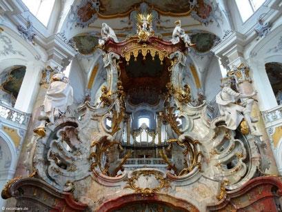 Rückseite Vierzehn-Nothelfer-Altar mit Blick zur Orgel