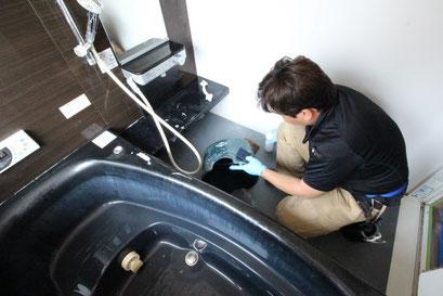 お風呂場・浴室の洗浄・クリーニングの様子|お掃除ハウス新潟【阿賀野市】