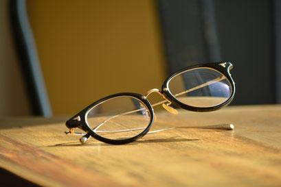 フレーム:BJ CLASSIC COLLECTION COM-510N NT  税抜32,000円 レンズ:HOYA 1.60薄型非球面レンズ 税抜8,000円 仕上がり価格 税抜40,000円