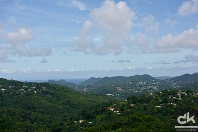 Blick über die wilde Schönheit von St. Lucia