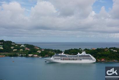 M/S Regatta von Oceania Cruises im Hafen von Castries