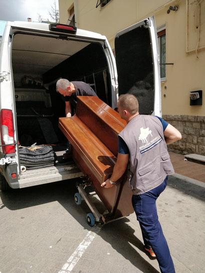 trasporto pianoforte in laboratorio ad opera di ditta qualificata