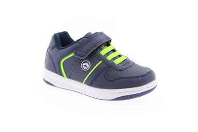 Zapato y tenis colegiales en Tenerife