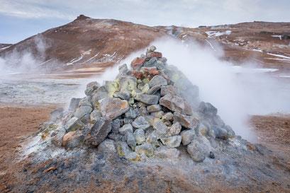Hverir, lake Myvatn - Iceland © Jurjen Veerman