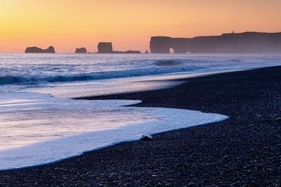 Sunset Reynisfjara black sand beach, Vik - Iceland © Jurjen Veerman
