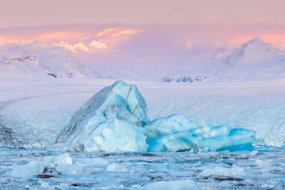 Jokulsarlon glacier lagoon - Iceland © Jurjen Veerman