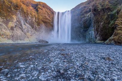 Skogafoss waterfall - Iceland © Jurjen Veerman