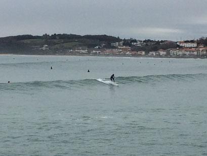 Surf avec école de surf Hendaia Hendaye plage