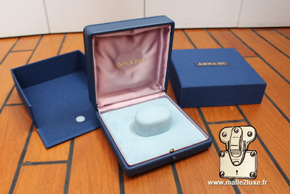 Ecrin sur mesure pour bijoux haute joaillerie bracelet