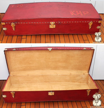 Easily sell your curved red car trunk 2000 euros