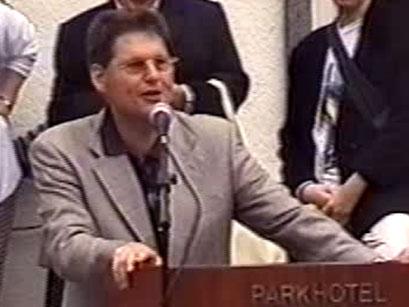 Prof. Dr. Friedrich-Karl Feyerabend, Stadtverordnetenvorsteher  - Screenshot Elvis-Festival 2000, Elvis-Archiv Bad Nauheim