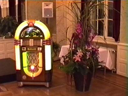 Musicbox mit Elvis-Titeln - Screenshot Elvis-Festival 2000, Elvis-Archiv Bad Nauheim