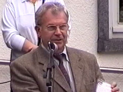 Dr. med. Bernd Regeler, Chef des Kur- und Verkehrsvereins - Screenshot Elvis-Festival 2000, Elvis-Archiv Bad Nauheim