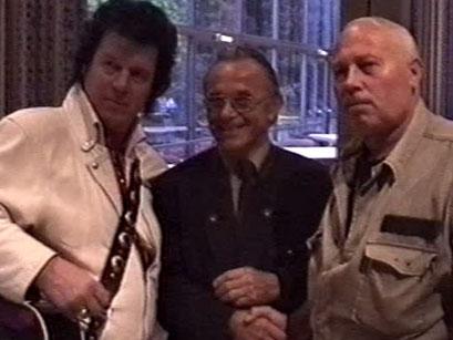 Jonny Winters, Elvis-Postbote Franz Kössler und Fan - Screenshot Elvis-Festival 2000, Elvis-Archiv Bad Nauheim