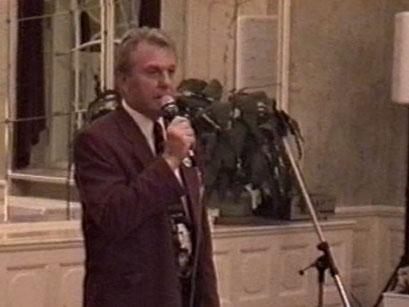 Galadinner im Kurhaus Bad Nauheim mit Ehrengast Scotty Moore - Screenshot Elvis-Festival 2000, Elvis-Archiv Bad Nauheim