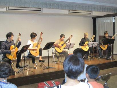 グループで学ぶやさしく楽しいクラシックギター アンサンブル