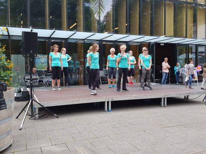 Ladies First Hamm: Gesundheitsmesse 2017, kurze Einleitung zum Bühnenauftritt