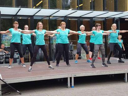 Ladies First Hamm: Gesundheitsmesse 2017 Zumba Vorführung mit Mitgliedern