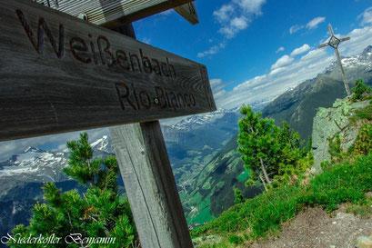 Wanderweg oberhalb von Weißenbach