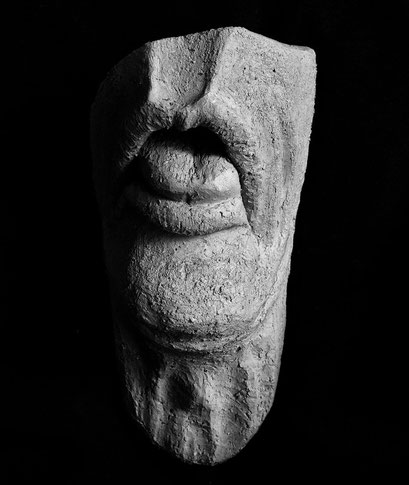 """""""Einstein ist tod, mir ist schon ganz schlecht"""" Keramik, 2011"""