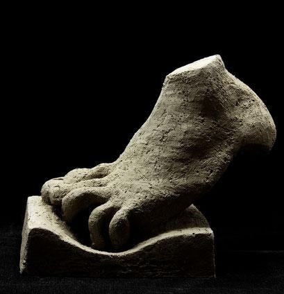 """""""Füsschen auf Treppchen""""; Keramik, 2012"""