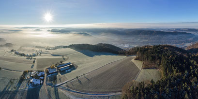 Sonnenaufgang über dem Weiler Oberhueb.