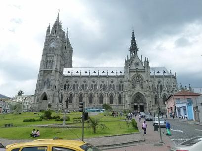 Quito . Basilika