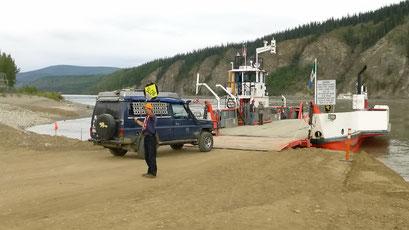 Fähre über den Yukon River nach Dawson City, Kanada