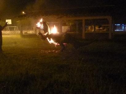 Bugalagrande - Muneco del ano viejo wird verbrannt