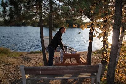 Abendessen in der noch warmen Abendsonne, Ontario